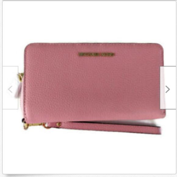 MICHAEL Michael Kors Handbags - Michael Kors leather smarphone wristlet wallet